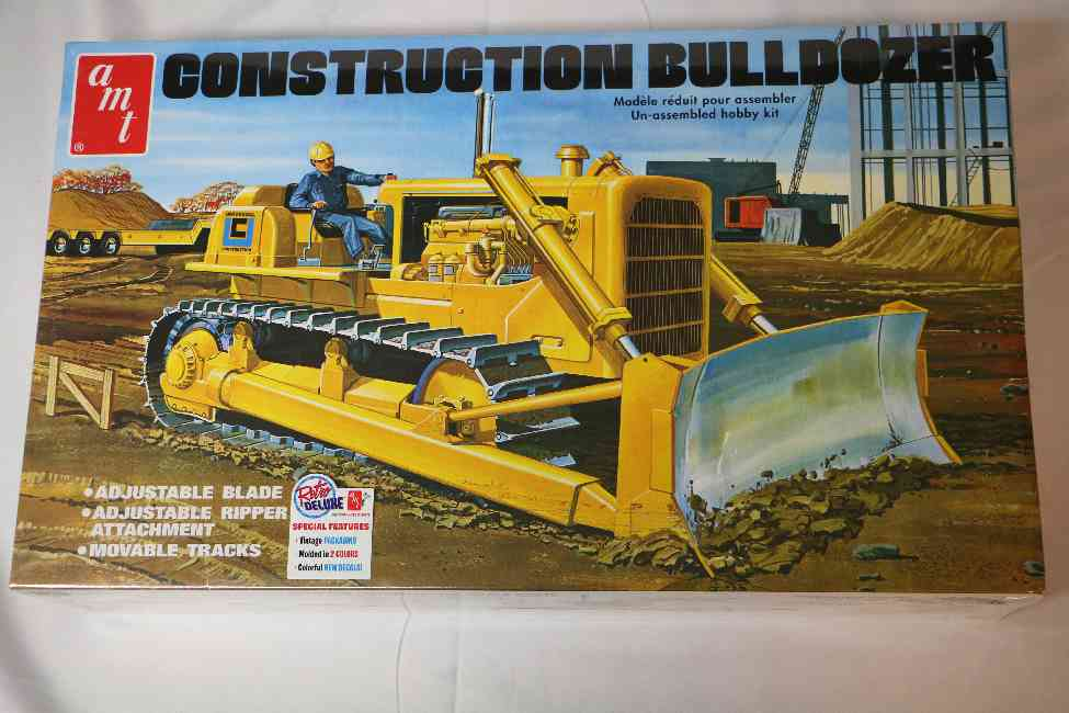 AMT1086 - AMT 1/25 Construction Bulldozer