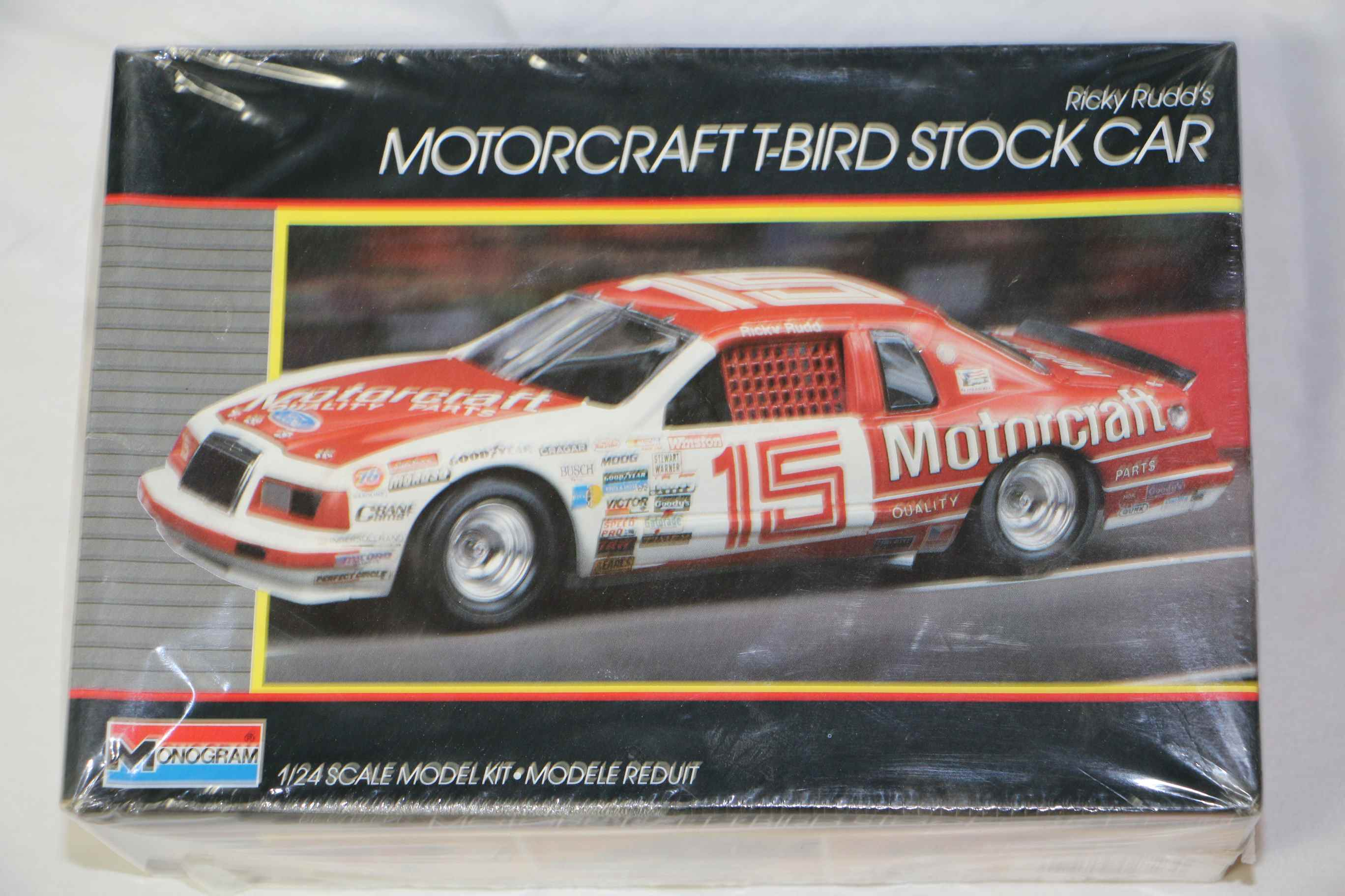 MON2723 - Monogram 1/24 Motorcraft T-Bird Stock Car