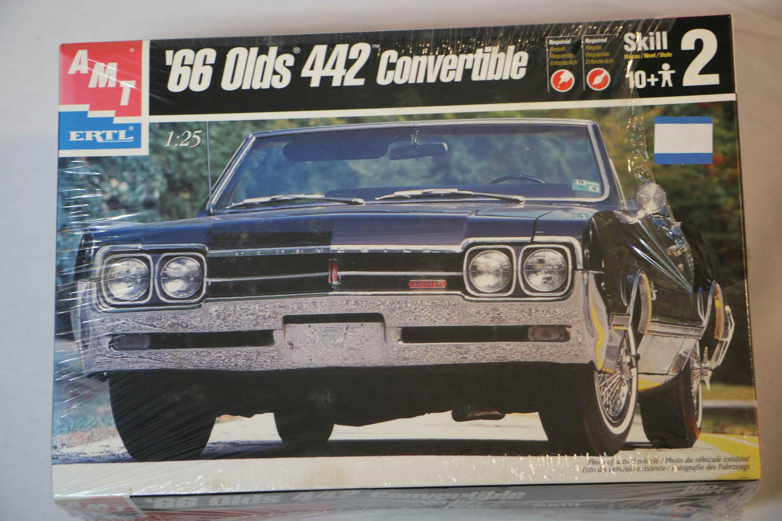 AMT6275 - AMT 1/25 1966 Oldsmobile 442 Convertible