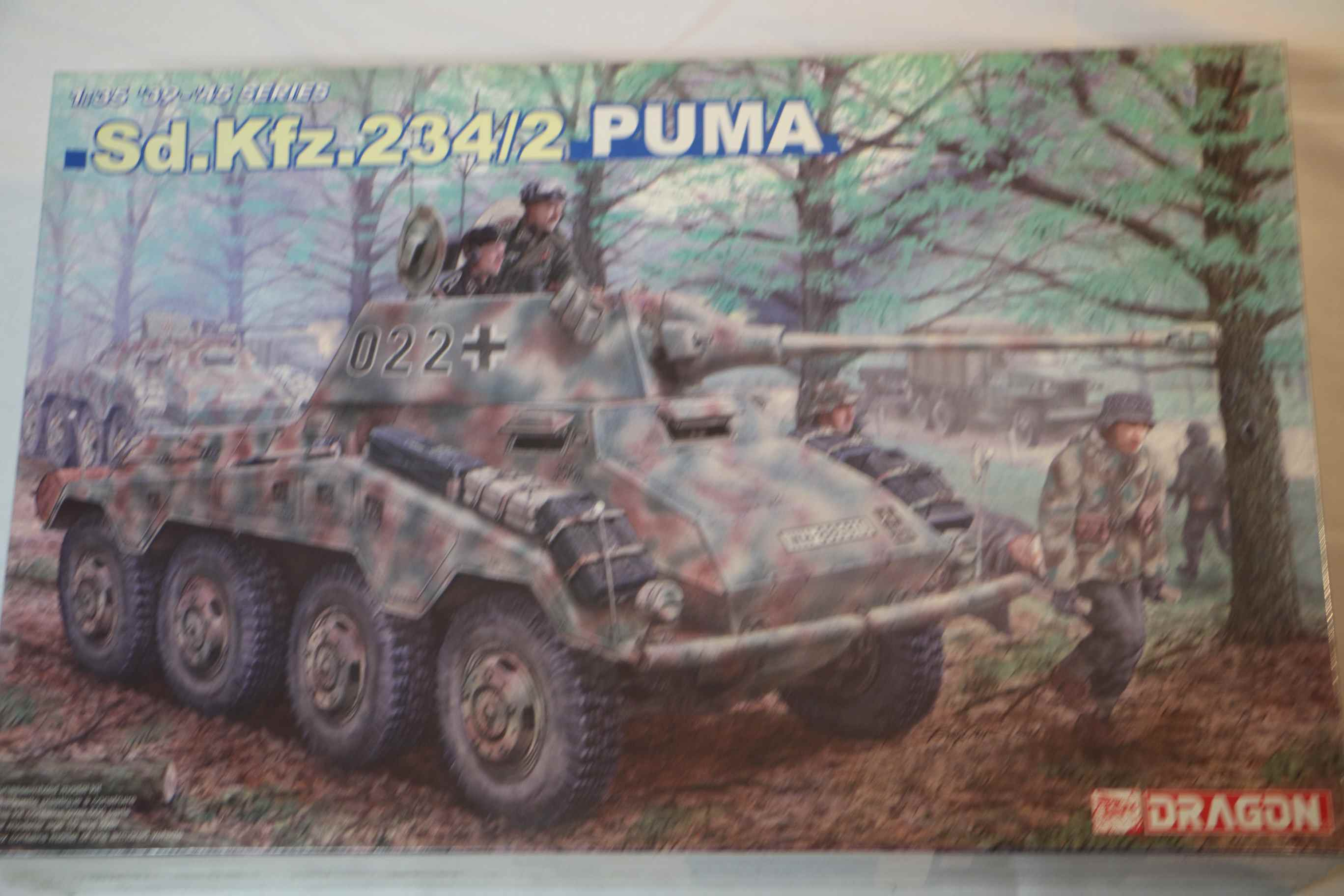 DRA6256 - Dragon 1/35 Sd.Kfz.234/2 Puma Armoured Car 39-45 series