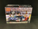 REV85-4418 - Revell 1/24 Ford GT Le Mans 2017 - Motor Sports Series