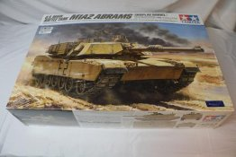 TAM36212 - Tamiya 1/16 M1A2 Arrams U.S. Main Battle Tank
