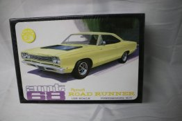 AMT849 - AMT 1/25 1968 Plymouth Road Runner Customizing Kit
