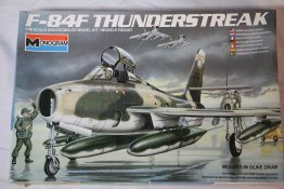 MON5432 - Monogram 1/48 F-84F THUNDERSTREAK