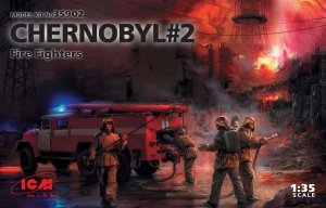 ICM35902 - ICM 1/35 Chernobyl #2 Fire Fighters (AC-40-137A Firetruck)