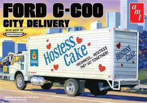 "AMT1139 - AMT 1/25 FORD C-600 ""HOSTESS CAKES"""