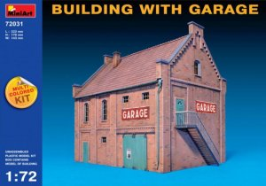 MIA72031 - Miniart 1/72 Building with Garage - Multi-Colored Kit