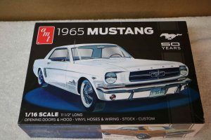 "AMT872 - AMT 1/16 1965 Mustang ""50 years"""