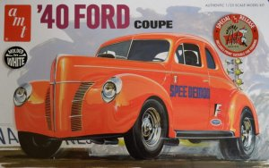 AMT730 - AMT 1/25 1940 FORD COUPE - WHITE