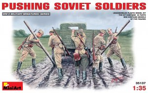 MIA35137 - Miniart 1/35 Pushing Soviet Soldiers
