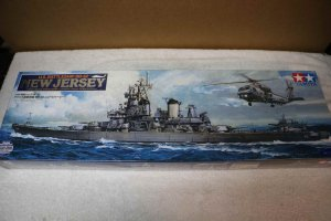 TAM78028 - Tamiya 1/350 USS New Jersey BB-62 w/ PE and ref