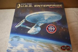 POL4204 - Polar Lights 1/350 Star Trek Enterprise NCC-1701-A