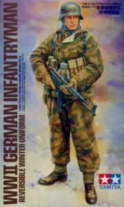 TAM36304 - Tamiya 1/16 WWII GERMAN INFANTRYMAN (REVERSIBLE WINTER UNIFORM)
