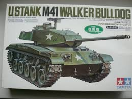 TAM30043 - Tamiya 1/35 M-41 Walker Bulldog MOTORIZED