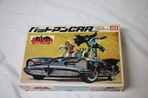 IMA1397-600 - IMAI Models 1/32 Batman Car