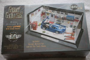 ESTH8000 - Estes 1/43 Great Garages Dodge Viper; GTS Sports Coupe