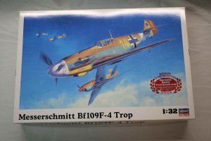 HAS08881 - Hasegawa 1/32 Bf 109F-4 Trop incl/Marseille fig.
