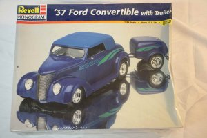 RMX7245 - Revell 1/24 37 Ford Convertible with Trailer