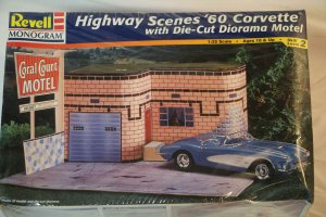 RMX7802 - Revell 1/25 Highway Scene '60 Corvette with Die-cut Diorama Motel