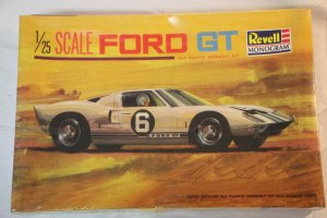RMX565 - Revell 1/25 Ford GT