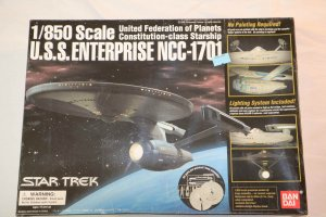 BAN0116192 - Bandai 1/850 USS Enterprise NCC-1701 (pre-painted Snap)