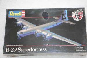 RMX1049 - Revell 1/144 B-29 Superfortress