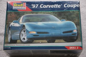 RMX2490 - Revell 1/25 97 Corvette Coupe