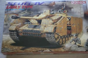 DRA9038 - Dragon 1/35 StuG IV Early Type