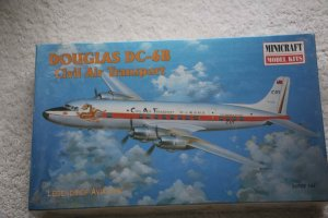MIN14459 - Minicraft 1/144 Douglas DC-6B Civil Air Transport