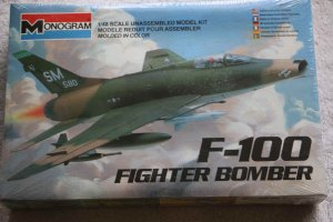 MON5424 - Monogram 1/48 F-100 Fighter Bomber
