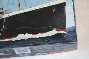 MIN11320 - Minicraft 1/350 RMS Titanic Ocean Liner Deluxe Edition