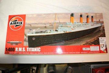 AIR50146A - Airfix 1/400 RMS Titanic Starter Set