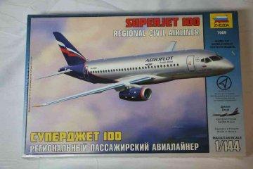 ZVE7009 - Zvezda 1/144 Sukhoi Superjet 100