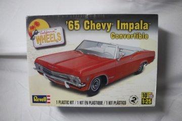 REV4933 - Revell 1/25 65 Chevy Impala Convertible