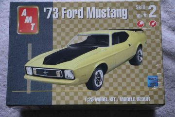 AMT38517 - AMT 1/25 1973 Ford Mustang