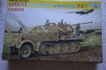 DRA6542 - Dragon 1/35 Sd.Kfz.7/2 3.5cm Flak 37 with Armour Cab