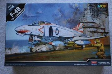 "ACA12232 - Academy 1/48 f-4B ""VF-111 Sundowners"""