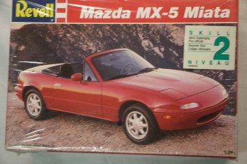 REV7351 - Revell 1/24 Mazda MX-5 Miata
