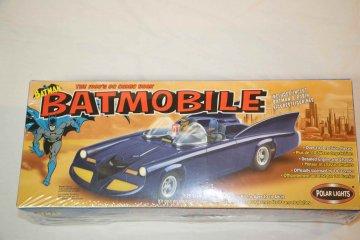POL06901 - Polar Lights 1/25 60's Batmobile - Plastic Kit