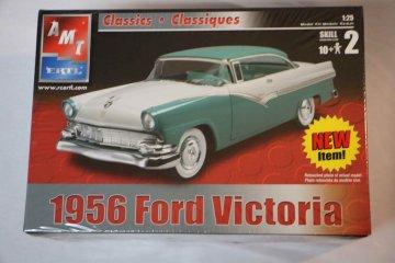 AMT31545 - AMT 1/25 1956 Ford Victoria